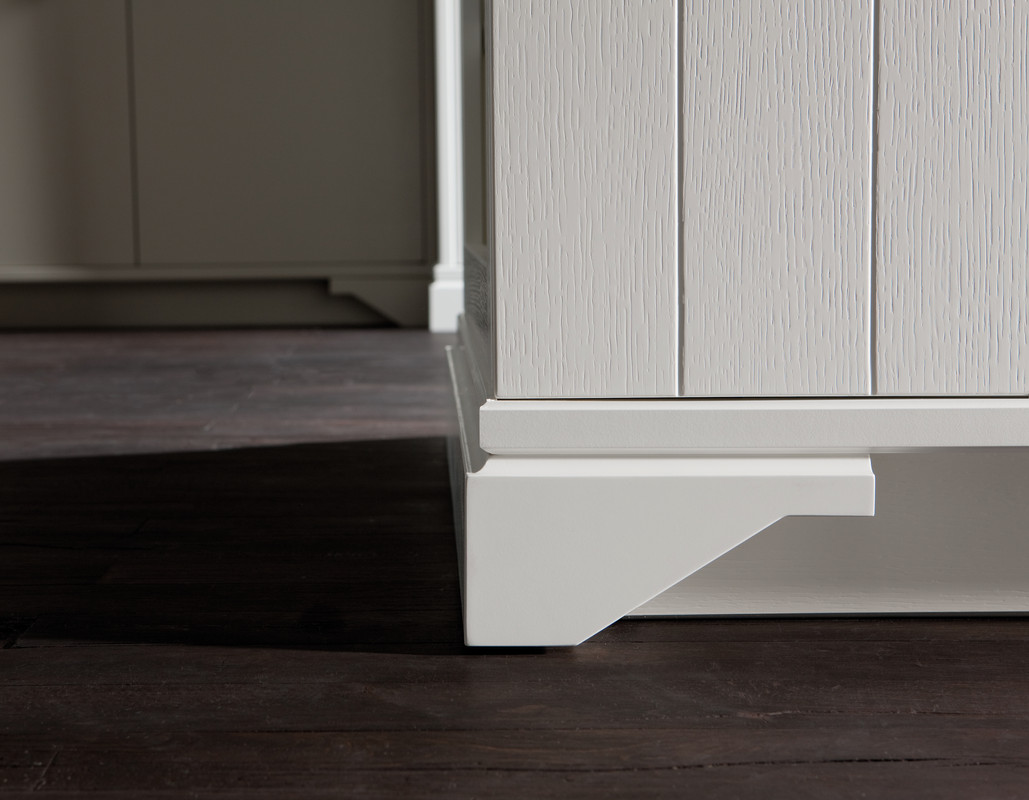 country style m bel fr hlich. Black Bedroom Furniture Sets. Home Design Ideas