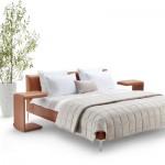 Modell Sonno von tommyM mit passendem Nachttisch in U-Form.