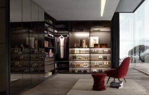 Beleuchteter und begehbarer Kleiderschrank Walk_in von Ars Nova Collection mit Schuhablage.